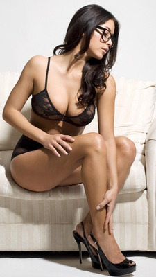 Ariannyceleste5_display_image