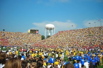 800px-students_rushing_renovated_kinnick_stadium_display_image
