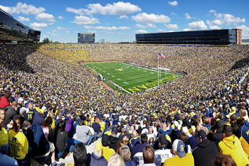 800px-michigan_stadium_2011_display_image