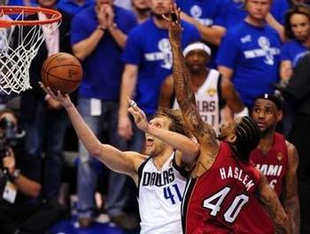 Dirk-nowitzki-2011-nba-finals-miami-vs-mavs-game-4_photo_medium_original_display_image