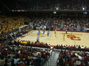 UCLA vs. USC will be the hot ticket in LA, not Lakers vs. Clippers