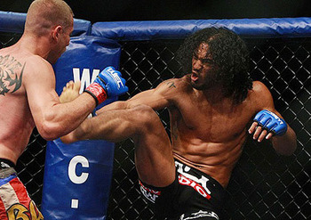 Mma_s_henderson-cerrone02_576_display_image