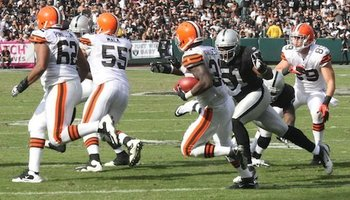 101611-raidersvsbrowns28--nfl_medium_540_360_display_image