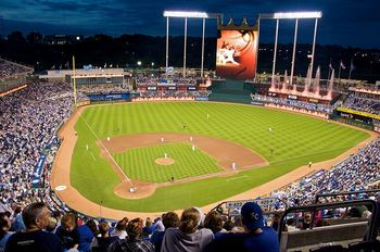 800px-kauffman_stadium_at_night_2009_display_image