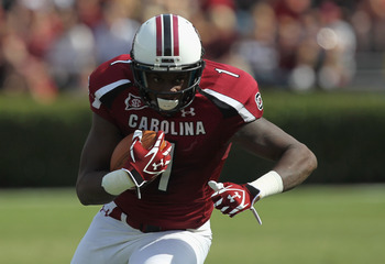 COLUMBIA, SC - OCTOBER 08:  Alshon Jeffery #1 of the South Carolina Gamecocks celebrates runs with the ball during their game against the Kentucky Wildcats at Williams-Brice Stadium on October 8, 2011 in Columbia, South Carolina.  (Photo by Streeter Lecka