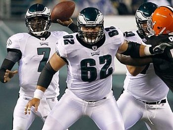 082511-kelce-eagles-400_display_image
