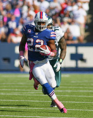 ORCHARD PARK, NY - OCTOBER 09:  Fred Jackson #22 of the Buffalo Bills runs aginst the Philadelphia Eagles at Ralph Wilson Stadium on October 9, 2011 in Orchard Park, New York. Buffalo won 31-24.  (Photo by Rick Stewart/Getty Images)