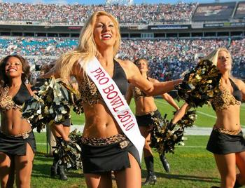 2010-pro-bowl-cheerleader_jaguars_amanda_display_image