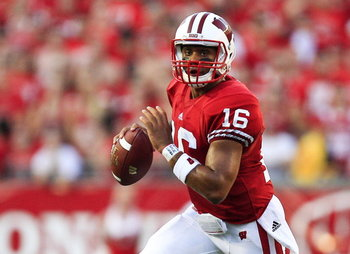Russell-wilson-wisconsin-badgers_display_image