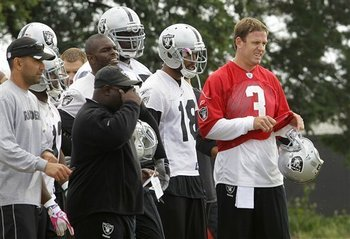 Raiders_quarterbacks_football_93213_team_display_image