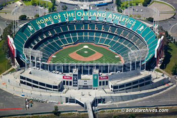 http://www.aerialarchives.com/Aerial-Photographs-of-Oakland.htm