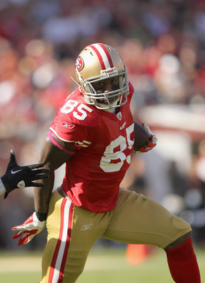 Vernon Davis is the 49ers' top weapon in the passing game