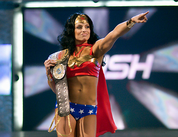 Trish-stratus-wwe-divas-478327_456_352_display_image