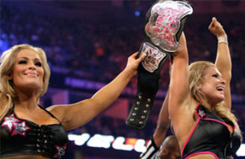 Beth Phoenix captures the Divas Championship