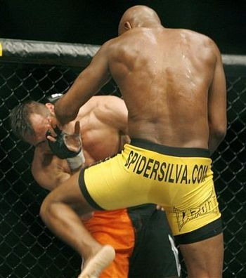 Ufc-77_silva_franklin_knees_lrg_display_image