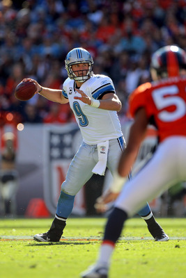 Matthew Stafford with a clean uniform.