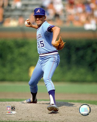 Phil Niekro won five Gold Gloves with the Braves.