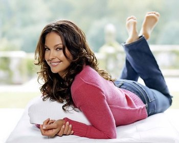 37ashleyjudd_display_image