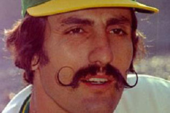 Rollie_fingers_original_display_image