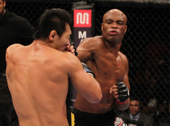 Ufc134_12_silva_vs_okami_011_display_image