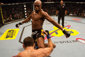 Ufc_112_anderson_silva_demian_maia_1_display_image_display_image