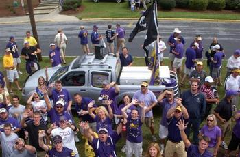 Tailgating1_display_image