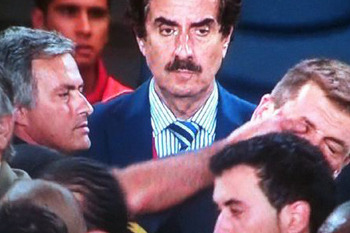 Mourinho-eye-poke_original_display_image