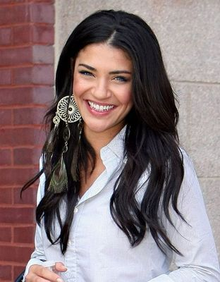 8jessicaszohr-ar_display_image