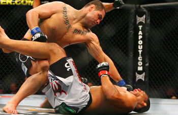 Cain-velasquez-knocks-out-nogueira_display_image