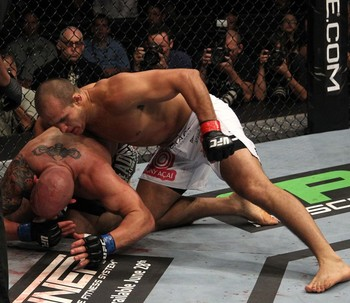 Junior-dos-santos-vs-shane-carwin-zuffa-e1307928118263_display_image