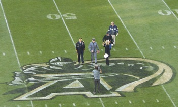 A20111112gameball_display_image