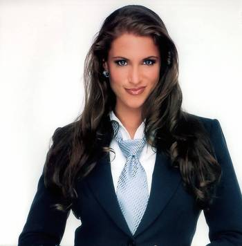 10stephaniemcmahon_display_image