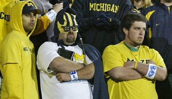 Michigan_fans_watching_app_state_loss_display_image