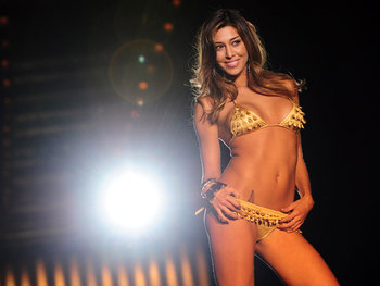 Belen-rodriguez-world-cup-wags_2392001_display_image