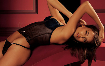 Irina-shayk-wallpaper-2_display_image