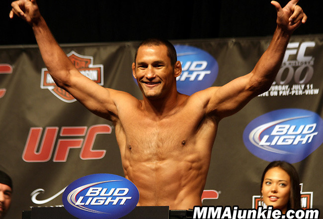 DAN HENDERSON Helping to Feed the Hungry This Thanksgiving