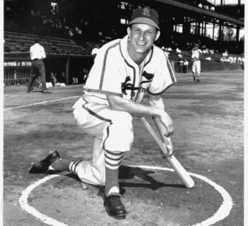 Stan-musial-on-deck-circle1-e1297711363844_display_image