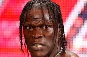 R-truth-heel-turn_display_image_display_image