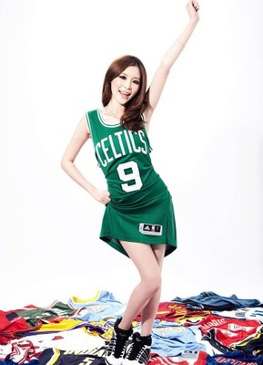 6nbajerseysexyshow4_display_image