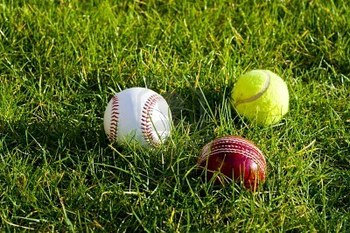4379868-baseball-cricket-and-tennis-balls_display_image