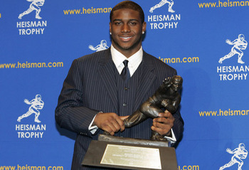 0610-reggie-bush-heisman-long_display_image