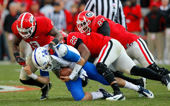 All-American LB Jarvis Jones makes a stop against Kentucky