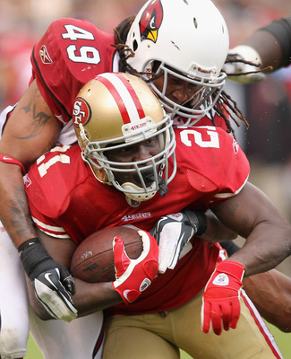 Frank Gore shredded the middle of Arizona's defense on Sunday, then sprinted outside a couple of times just for fun.