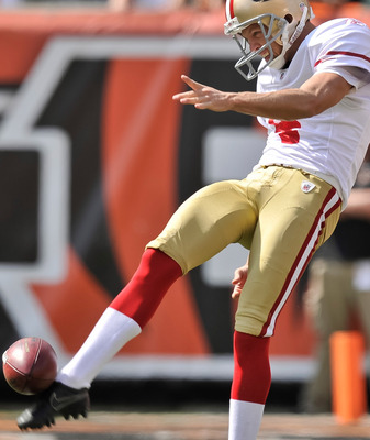 Lee's punting pins back opponents helps drive San Francisco's field-position game.