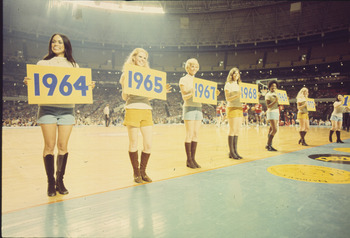 71-ncaa_semis_cheerleaders_display_image