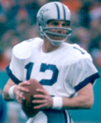 Staubach_roger_action_180-220_display_image