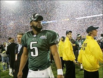 Donovan McNabb walking off of the field after the Eagles fell to the Patriots in Super Bowl XXXIX 24-21