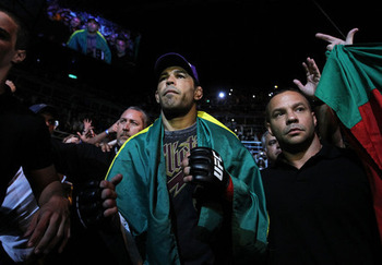 Ufc134_09_nogueira_vs_schaub_002_large_display_image