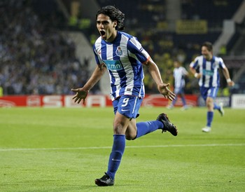 Falcao1_display_image