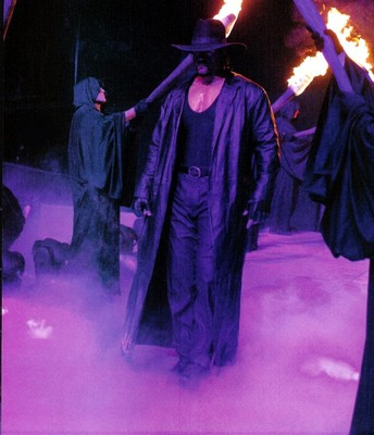 Undertaker_smoky_entrance_display_image